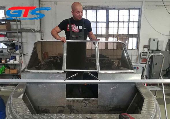 Лодка WR47